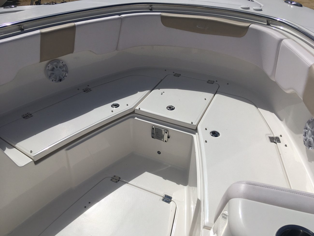A R 302 is a Power and could be classed as a Center Console, Fish and Ski, Saltwater Fishing,  or, just an overall Great Boat!