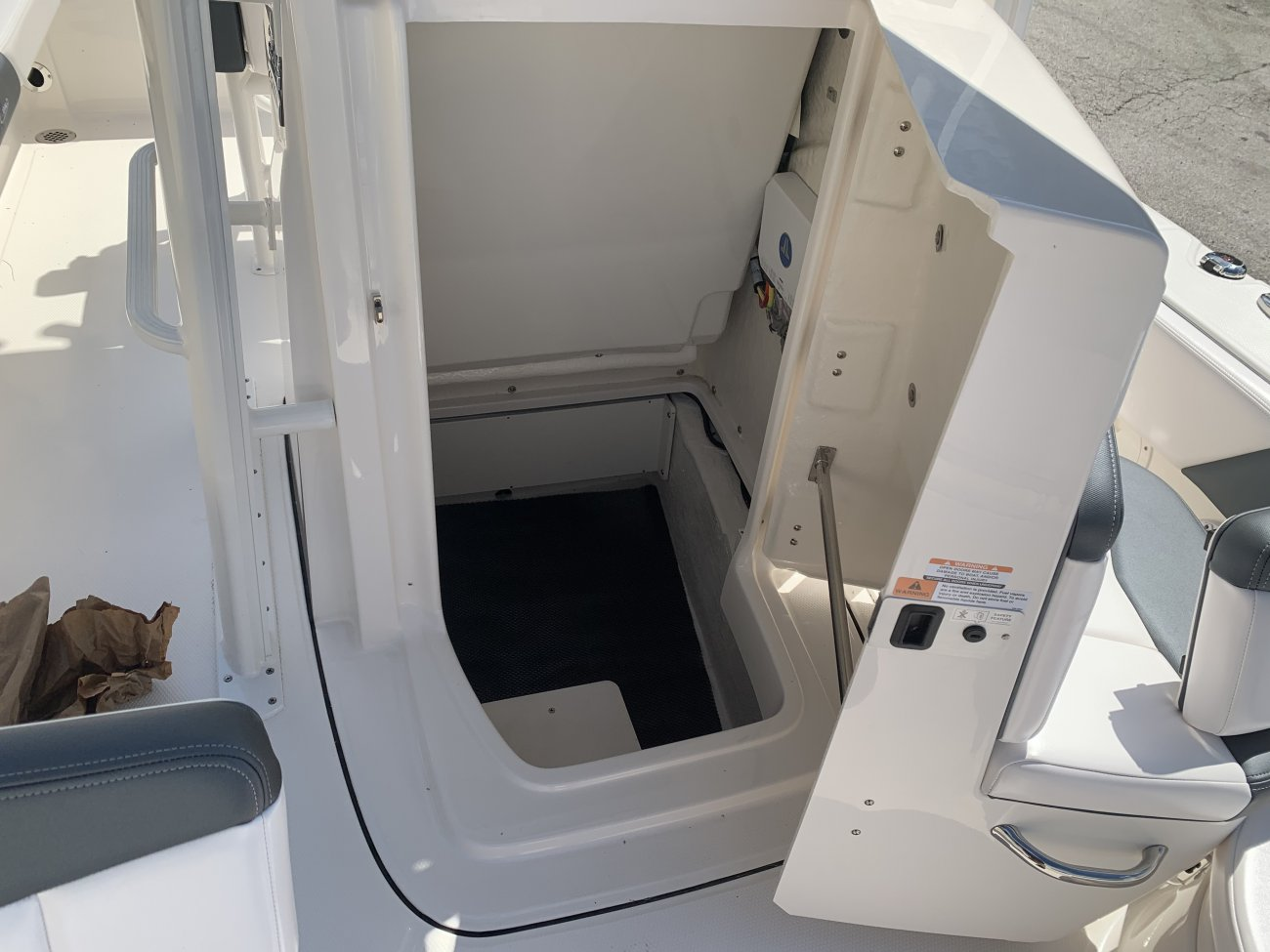 Center console is an open hull boat where the console of the boat is in the center. The boat deck surrounds the console so that a person can walk all around the boat from stern to bow with ease. Most center consoles are powered by outboard motors.