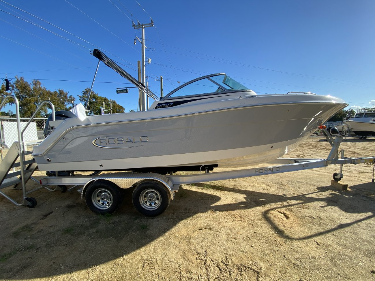 Generally speaking, wakeboard specific boats have weight in the back of the boat and make the wake larger and steeper. Most wakeboard boats will have several features that help to create large wakes.